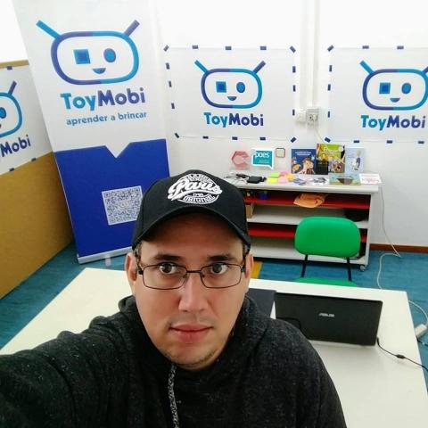 Empresário da empresa Toymobi